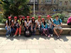 Los niños y niñas viajaron a Europa para reafirmar el inglés aprendido en el colegio.  - Suministrada/GENTE DE CAÑAVERAL