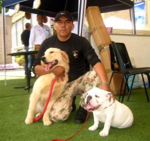 Gonzalo Medina asegura que no es recomendable dejar a los perros solos mucho tiempo.  - Suministrada/GENTE DE CAÑAVERAL