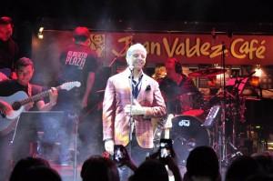 Alberto Plaza estuvo dando un concierto privado a los clientes de Parque Caracolí. - Foto Laura Herrera / GENTE DE CABECERA