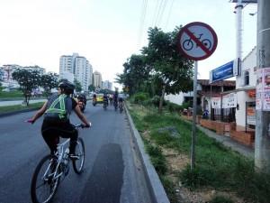 Los ciclistas piden espacios