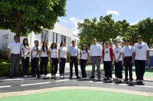 Estos son los estudiantes que enseñan inglés a profesores.  - Dider Niño/GENTE DE CAÑAVERAL