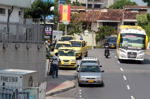 El centro comercial y la comunidad piden control por parte de la DTTF.  - Javier Gutiérrez/GENTE DE CAÑAVERAL