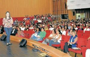 Lina María Saldarriaga, experta en intimidación escolar o matoneo estuvo en la Unab en el programa de RedPapaz. - Laura Herrera / GENTE DE CAÑAVERAL