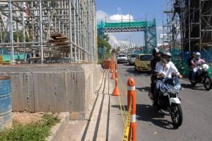 Esta es la estructura que se sale de lo que corresponde al separador de la autopista. - Jaime del Río/GENTE DE CAÑAVERAL