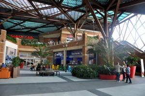 Por cada 5 mil pesos en compras podrá apadrinar un niño con cáncer de las dos fundaciones. Jair Romero abrirá la Navidad en el mall.  -  / GENTE DE CAÑAVERAL