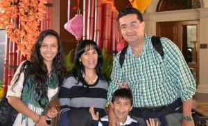 Julián y su familia vive en Ruitoque condominio donde comparten grandes momentos.  - Suministrada/GENTE DE CAÑAVERAL