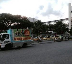 Al lado derecho de la imagen se ven los agentes de tránsito.  - Suministrada / GENTE DE CAÑAVERAL