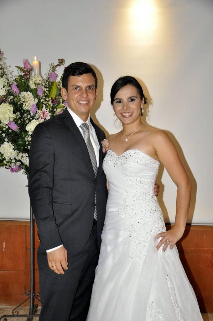 Los novios Carlos Bermúdez y Viviana Otero.   - Laura Herrera/GENTE DE CAÑAVERAL