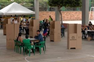Los sitios de votación en Cañaveral son: Colegio Nuevo Cambridge, Colegio Reina de la Paz y Unab Campus El Bosque.  - Archivo / GENTE DE CAÑAVERAL