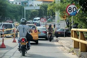 Javier Gutiérrez/GENTE DE CAÑAVERALPara disminuir el flujo vehicular sobre la carrera 28, se habilitó a dos carriles el paso vehicular sobre la autopista.
