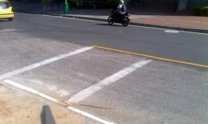 Como se observa el paso peatonal ya existía y fue tapado parcialmente por la nueva pavimentación. - Rubén Dario Paredes/GENTE DE CAÑAVERAL