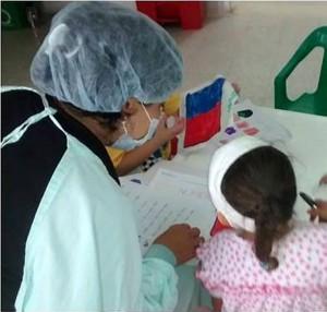 Yeimi continúa en tratamiento oncológico y es una de las beneficiadas de las aulas educativas en la clínica