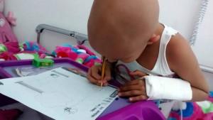 Los niños enfermos de cáncer reciben asesorías académicas por parte de la Fundación Hope