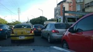 Los conductores se siguen quejando de las largas filas en el semáforo.  - Suministrada/GENTE DE CAÑAVERAL
