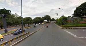 En este punto de la carrera 33 se tomará el carril contrario (contraflujo) para continuar hacia el sector de Hipinto. - Tomada de Google / GENTE DE CAÑAVERAL