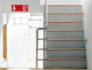 Las escaleras de su edificio deben tener material antideslizante para evitar cualquier tipo de accidente.  - Banco de imágenes/ GENTE DE CAÑAVERAL