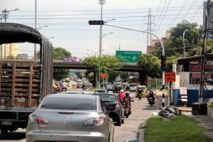 Según las autoridades, el semáforo de la Autopista comenzará a funcionar finalizadas las obras del puente en Conucos. - Javier Gutiérrez /GENTE DE CAÑAVERAL
