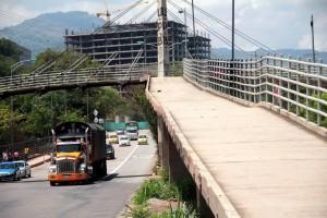 El puente sufrió daños hace cinco meses. Actualmente está sin barandas.  - Archivo /GENTE DE CAÑAVERAL