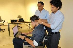 La prueba fue aplicada a un grupo de diez voluntarios y cada uno repitió el evento 100 veces. Finalizado este proceso se desarrolló el algoritmo necesario para comunicar el PC con el sistema electrónico que maneja la silla de ruedas.  - Suministrada/GENTE DE CAÑAVERAL