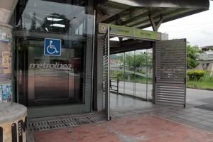 Usuarios de Metrolínea piden mantenimiento al ascensor.  - Javier Gutiérrez/GENTE CAÑAVERAL