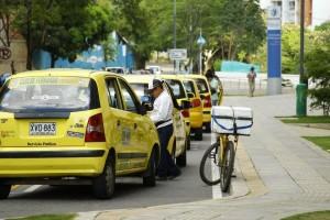 Poco a poco comienzan a llegar los vendedores ambulantes en el transcurso del día.  - César Flórez/GENTE DE CAÑAVERAL