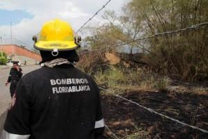 El miércoles se quemó cerca de una hectárea en la parte de atrás de la cancha del Nuevo Cambridge.  - Javier Gutiérrez/GENTE DE CAÑAVERAL