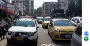 En días pasado una patrulla de la Policía estacionó sobre la carrera 25 entre calles 30 y 31 y esto generó inconformismo entre los ciudadanos.   - Suministrada/GENTE DE CAÑAVERAL