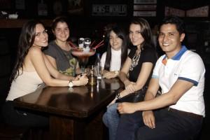 Shirley Parada, Yajaira Castro, Astrid Parada, Rubí Parada y Jonathan Reinel. - Suministrada/GENTE DE CAÑAVERAL