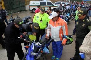 En días pasados, la Policía ofreció una jornada gratuita de marcación de motocicletas con el fin de promover esta estrategia de seguridad.  - Suministrada/GENTE DE CAÑAVERAL