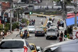 La carrera 26 entre calles 30 y 31 sigue siendo bidireccional, pero en los próximos días podría quedar de un solo sentido.    - Fabián Hernández /GENTE DE CAÑAVERAL