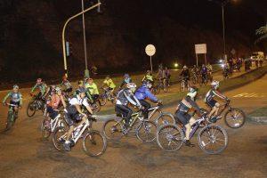 La ruta hacia el Santísimo partió el pasado miércoles desde el Tiger Market, sitio de encuentro de los ciclistas. - Internet / GENTE DE CAÑAVERAL
