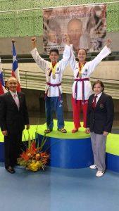 Ellos son los ganadores  en la división de Poomsae Parejas: Sebastián Camilo González y María Paula Correa.  - Suministrada/GENTEDE CAÑAVERAL