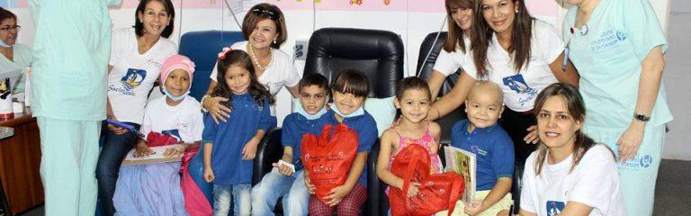 Un grupo de voluntarios se unió para alegrar a los niños enfermos de cáncer y apoyarlos espiritual y económicamente