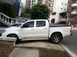 Los vecinos del sector denuncian la obstrucción del paso peatonal. - Suministrada/GENTE DE CAÑAVERAL