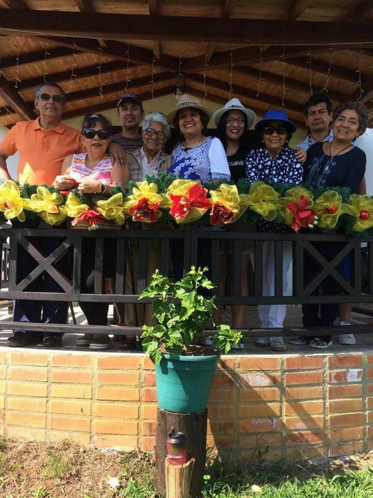 Gustavo Arbeláez, José Rueda, Gladys de Arbeláez, Victoria Torregrosa, Neyda Peña, Tatiana Guihur, Rosy Peña, Leonor Peña y Pedro Julio Leal.  - Suministrada/GENTE DE CAÑAVERAL