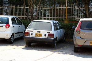 Los residente de la zona denunciaron que este vehículo lleva varios meses abandonado en el parqueadero.  - Fabián Hernández/GENTE DE CAÑAVERAL