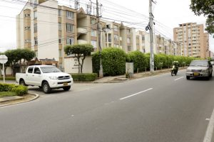 La comunidad hace un llamado a la empresa para que se reubique el aparato y se eviten accidentes de tránsito. - Fabián Hernández/GENTE DE CAÑAVERAL