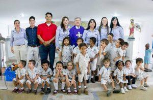 Directivos y niños del colegio Los Exploradores de Cañaveral.  - Suministrada/GENTE DE CAÑAVERAL