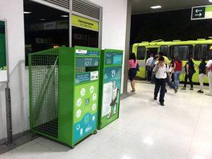 Todos los equipos electrónicos que ya no estén en uso pueden ser dejados en estos contenedores instalados en la estación de Metrolínea de Provenza.  - Suministrada/GENTE DE CAÑAVERAL