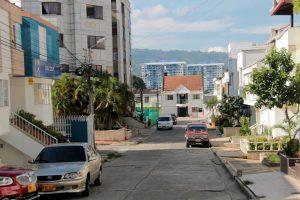 Los residentes aledaños a la zona aseguran que se ven afectados por el ruido que genera esta empresa con aires acondicionados y plantas eléctricas.   - Elver Rodríguez /GENTE DE CAÑAVERAL