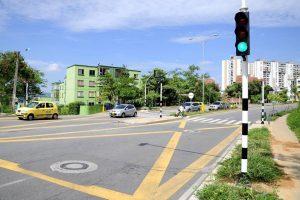 Los conductores aseguran que los tiempos de los semáforos afectan el flujo vehicular. - Archivo /GENTE DE CAÑAVERAL