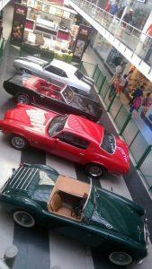 Los carros están exhibidos en los pasillos del centro comercial Cañaveral.  - Suministrada/GENTE DE CAÑAVERAL