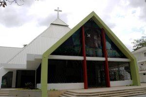 La parroquia Santa María Reina fue remodelada para mejorar la capacidad de feligreses y brindar mayor comodidad.  - Fabián Hernández/GENTE DE CAÑAVERAL