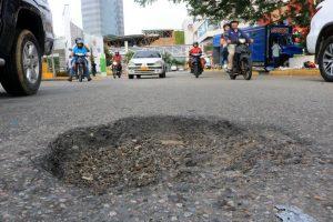 Los conductores piden que se restaure la vía, pues denuncian que ya se han registrado accidentes por culpa del hueco. - Fabián Hernández/GENTE DE CAÑAVERAL
