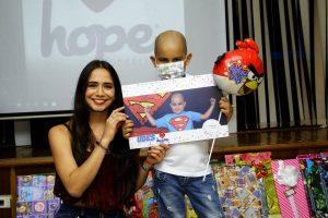 Cada niño recibió a modo de regalo sorpresa su cuadro. - César Flórez / GENTE DE CAÑAVERAL