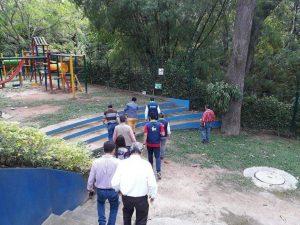 El Alcalde visitó Plazuela Cañaveral para conocer el estado del gavión que está siendo afectado por la quebrada.  - Suministrada/GENTE DE CAÑAVERAL