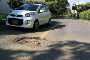 Según los residentes de la zona, el hueco ha causado accidentes.  - Élver Rodríguez /GENTE DE CAÑAVERAL