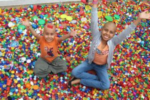 La recolección de tapas contribuye con el tratamiento médico de los niños enfermos de escasos recursos.  - Archivo /GENTE DE CAÑAVERAL