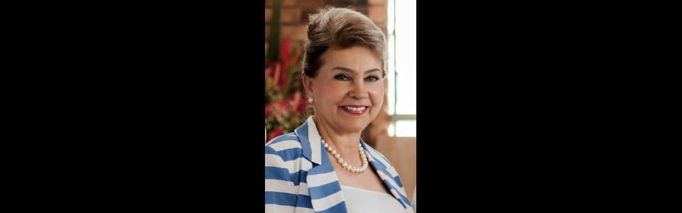Diana Giraldo fue condecorada como 'Mujer del año 2017 en Santander'