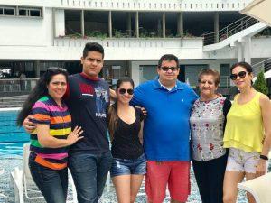 Adriana Bárcenas, Sebastián Reyes, Diana Reyes, Manuel Reyes, Rosa María Camacho y Mercedes Reyes.   - Suministrada/GENTE DE CAÑAVERAL